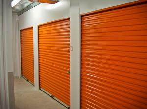 Fournisseur self stockage porte rideaux